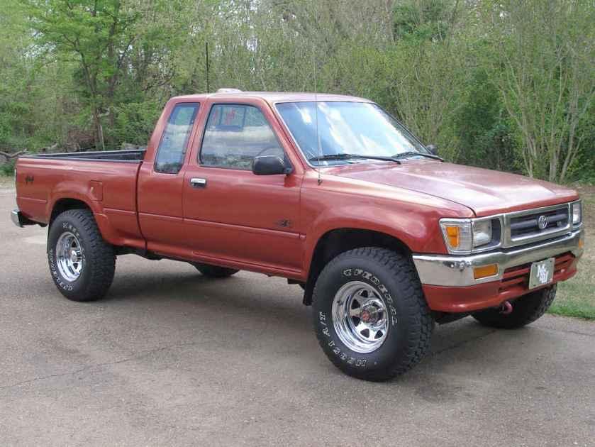 toyota-pickup-red-1