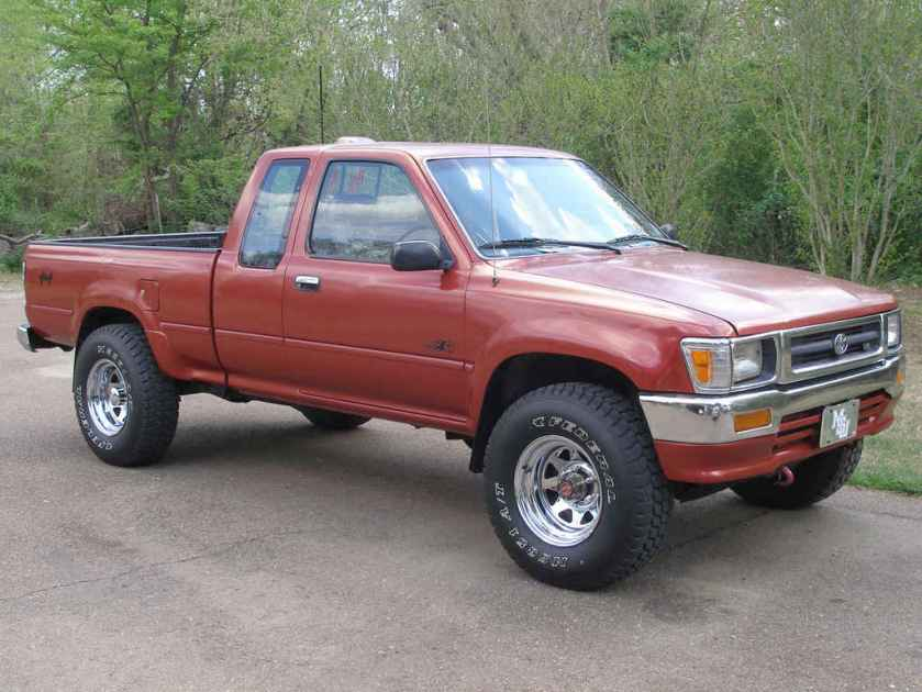 toyota-pickup-red-1