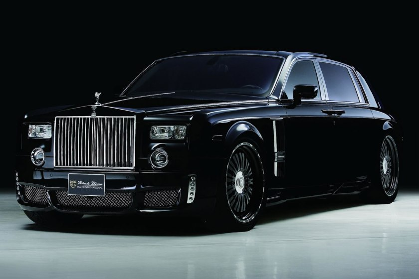 Wald_Rolls_Royce_Phantom_Black_Bison_Edition_Front_Profile
